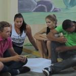 Discutindo ideias em grupo